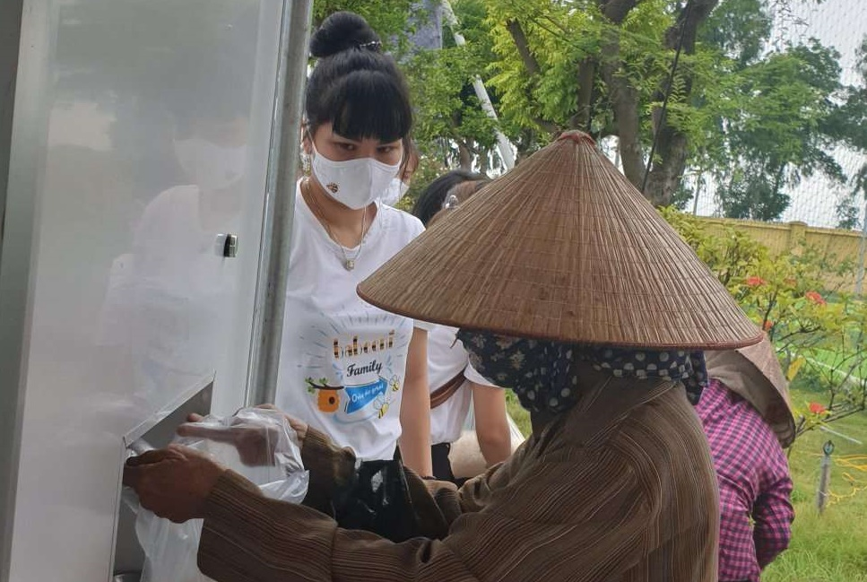 Babeeni keeps dispensing free rice to support the disadvantaged by Covid-19